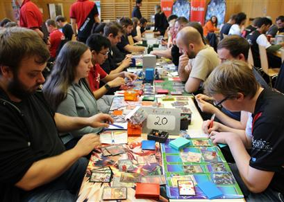 Quick Questions: Was macht Force of Will besonders?